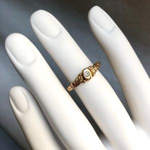 Vintage Baroque Art Inspired Gold Tone Ring Sz 6